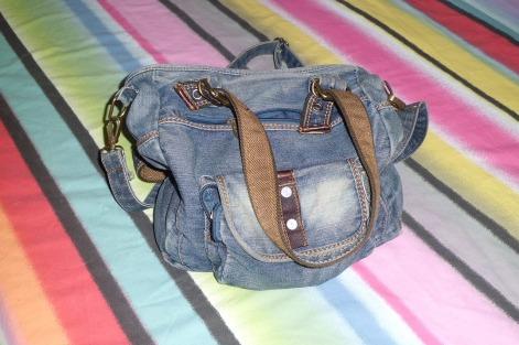 handbag-494600_1280